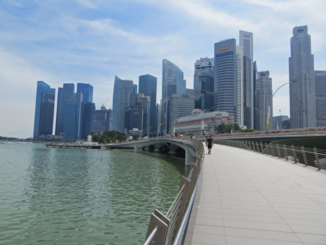 Esplanade Bridge in Singapore